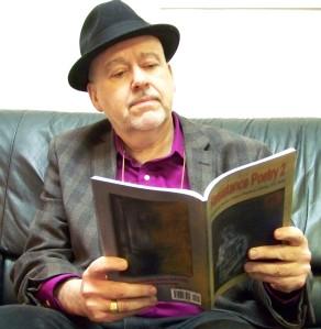 Roger Langen reading